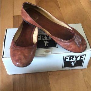 Size 8M Frye Carson ballet flats.